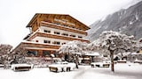 Choose This 4 Star Hotel In Chamonix-Mont-Blanc