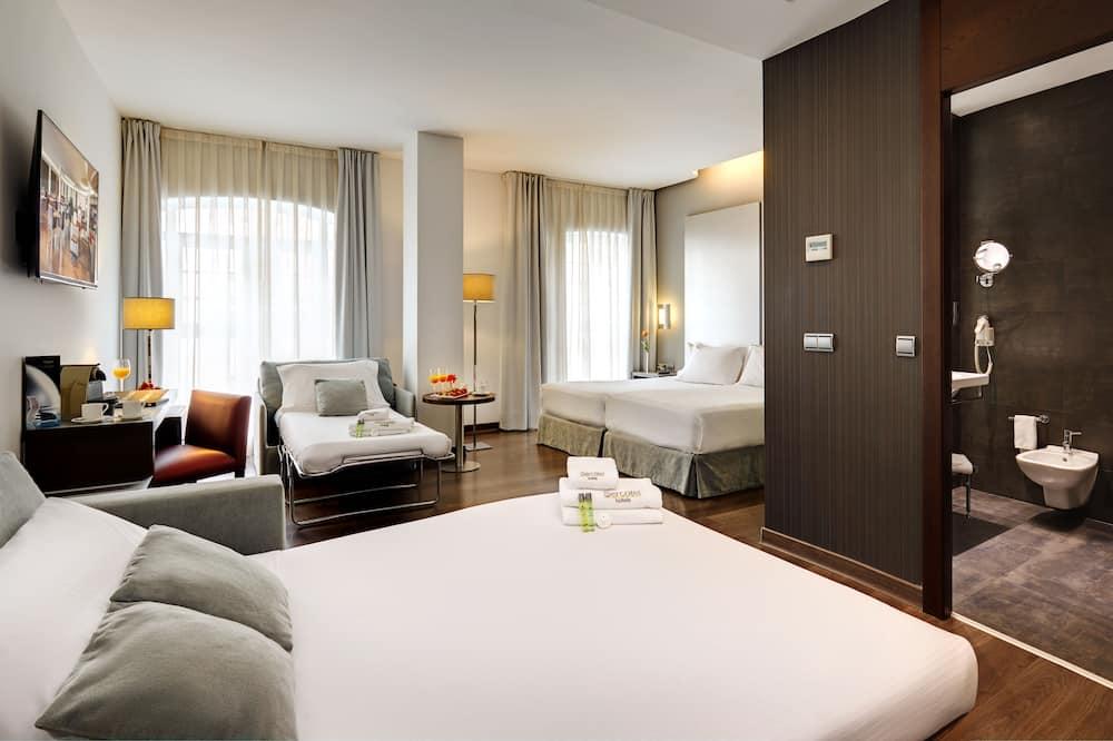 Superior Room (2A + 1C) - Guest Room