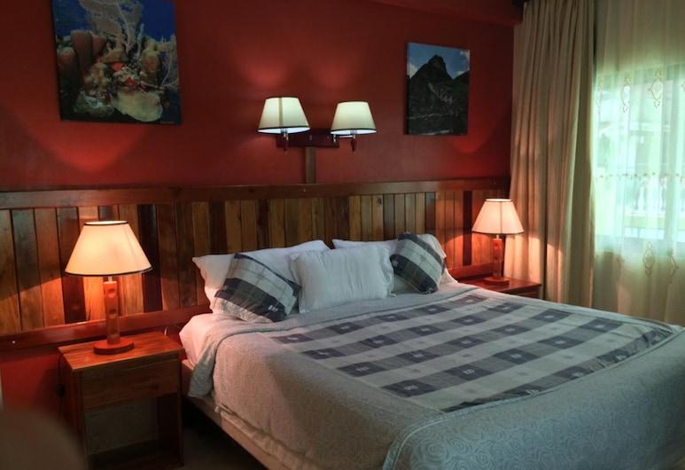 Caye Caulker Plaza Hotel, Caye Caulker, Deluxe Room, 1 King Bed, Guest Room