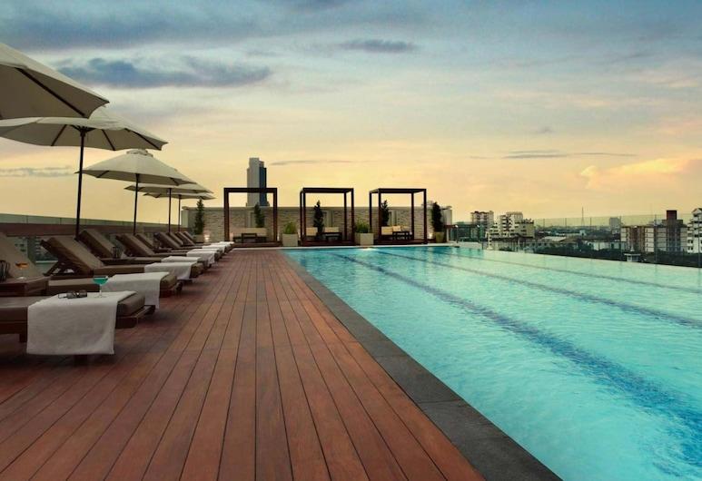 Amari Residences Bangkok, Bangkok, Pool auf dem Dach