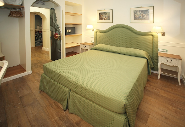 Residenza Ponte Sant'Angelo, Rome, Standard Double Room, 1 Double Bed, Private Bathroom, Courtyard Area, Guest Room