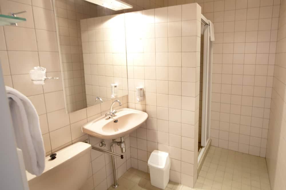 Komforta divvietīgs numurs (Plus, with Shower) - Vannasistaba