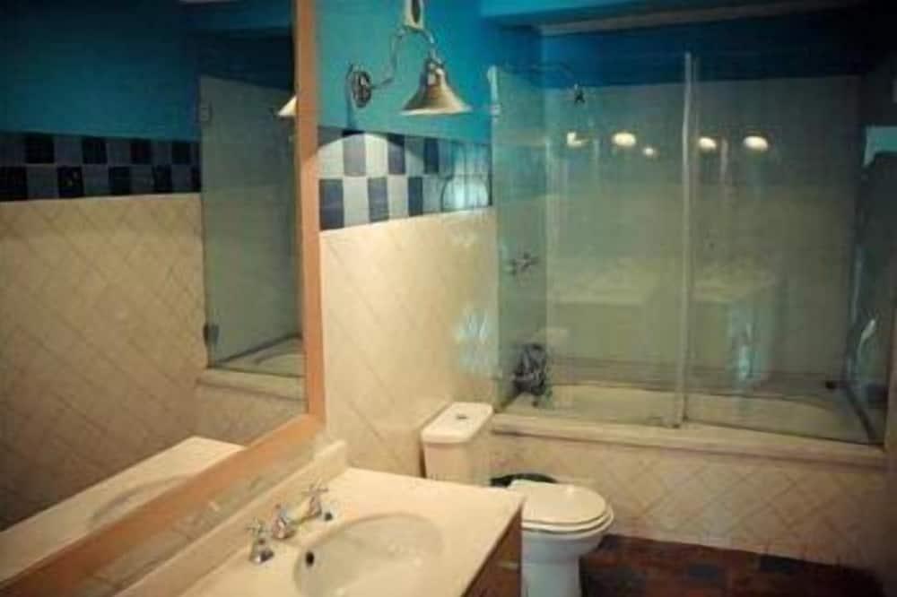 חדר זוגי, שירותים צמודים - חדר רחצה