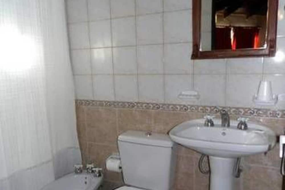 Četverokrevetna soba - Kupaonica