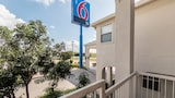 Picture of Motel 6 Seguin TX in Seguin