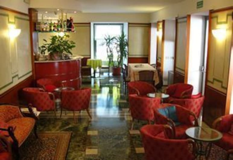 Hotel Centrale, San Pellegrino Terme, Bar-salon de l'hôtel