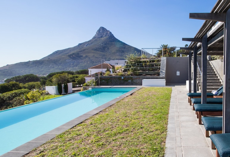 The Crystal Apartments, Cape Town, Infinity Pool