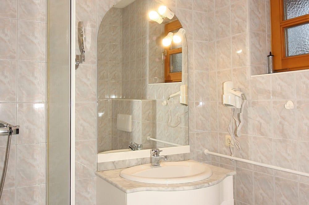 Comfort Tek Büyük Yataklı Oda - Banyo