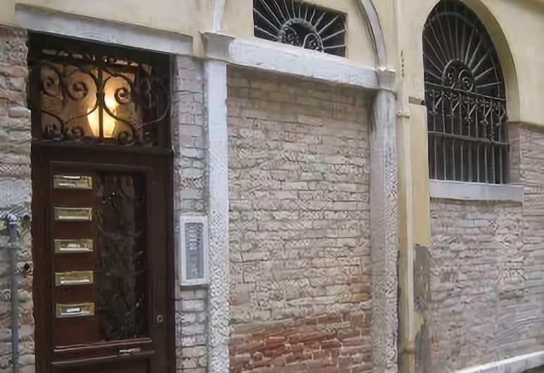 Residenza Grisostomo, Venice