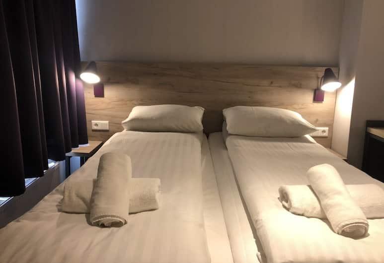 Hotel Vijaya, Amsterdam, Double Room, Guest Room
