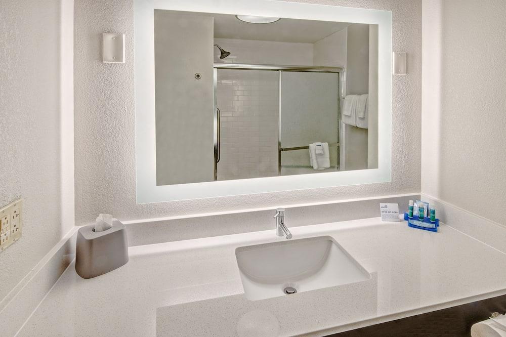 Suite, Beberapa Tempat Tidur, non-smoking - Kamar mandi