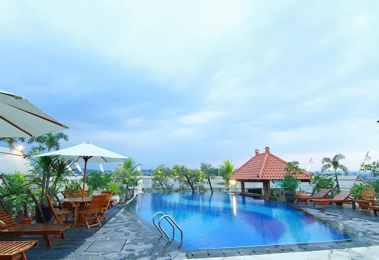 Grand Arkenso Parkview Hotel, Semarang, Kültéri medence