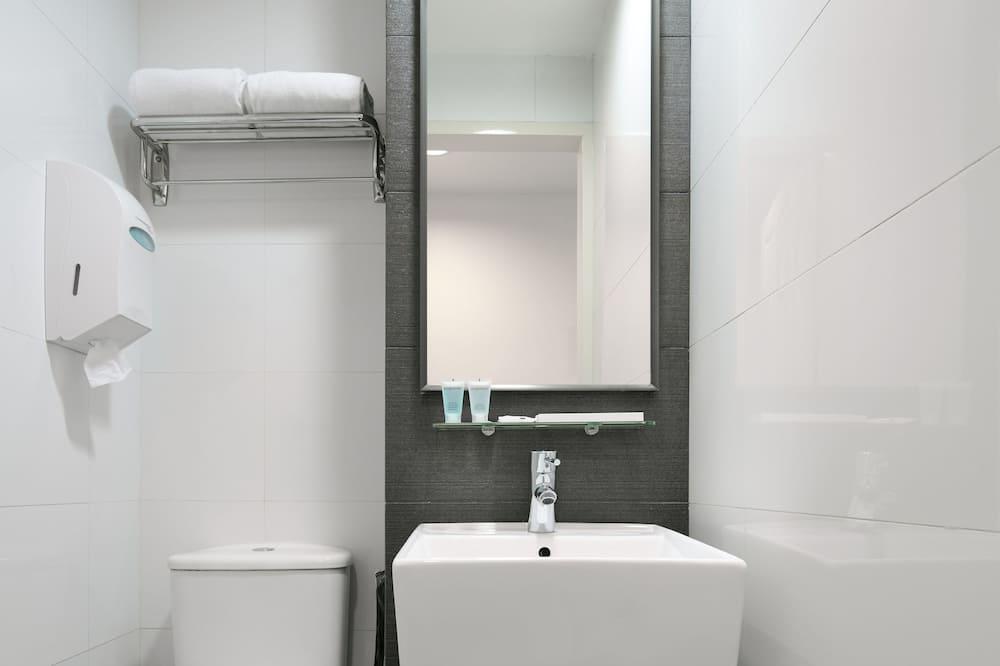 Superior Plus NC  - Bathroom