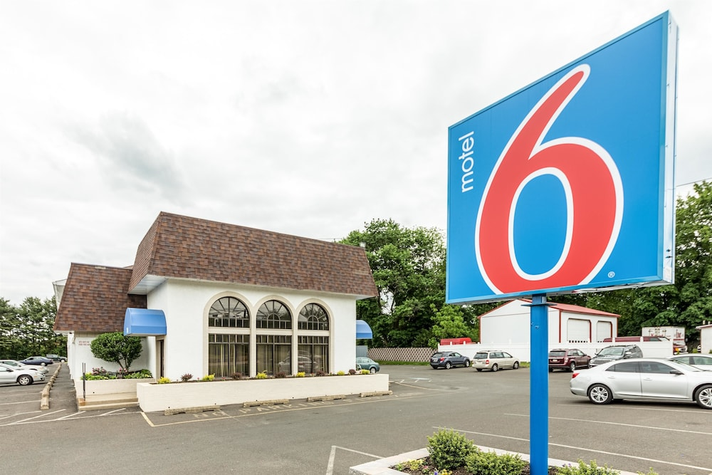 Motel 6 Warminster, PA, Warminster