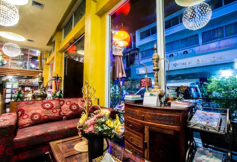 サバイ サバイ アット スクンビット ホテル, バンコク, ホテルのフロント