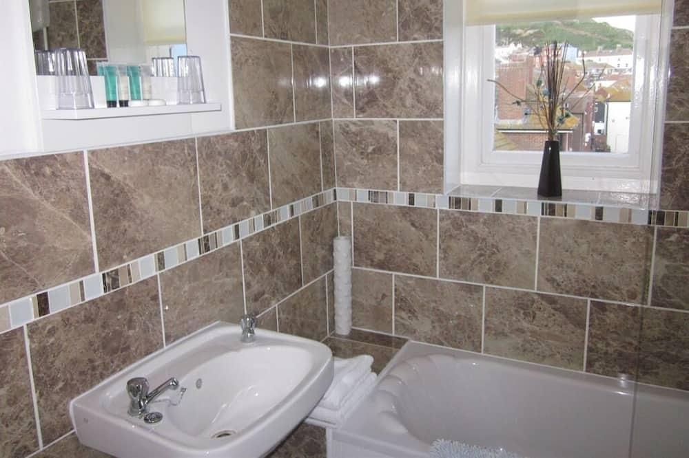 Dvojlôžková izba, vlastná kúpeľňa (shower) - Kúpeľňa
