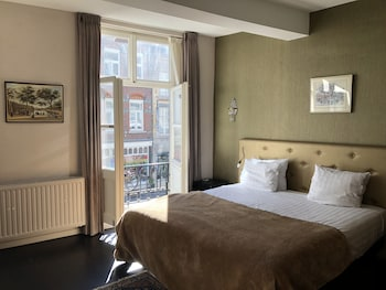 Enter your dates for special Maastricht last minute prices