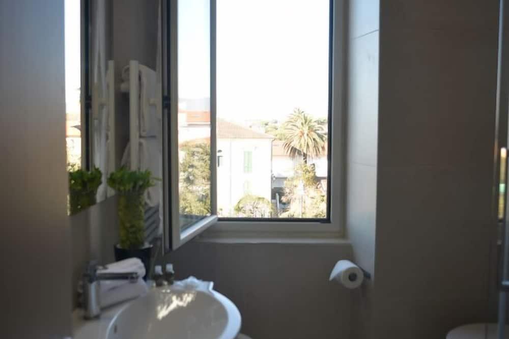 Dvojlôžková izba, výhľad na more - Kúpeľňa