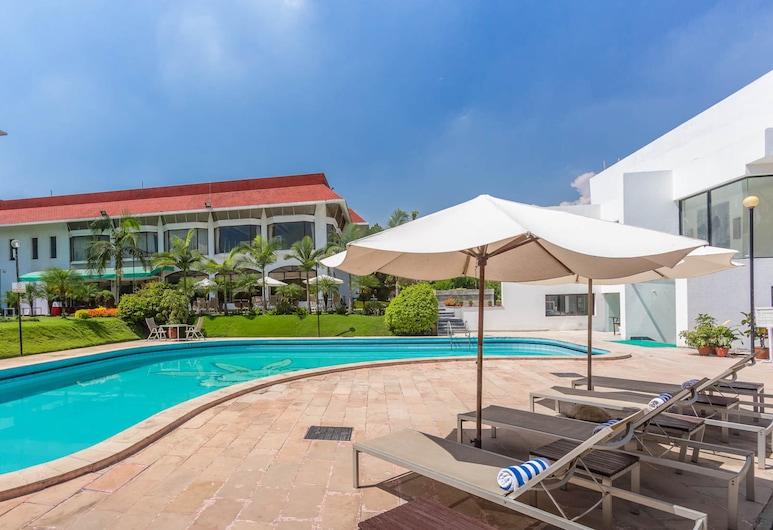 喜瑪拉雅飯店, 勒利德布爾, 室外游泳池