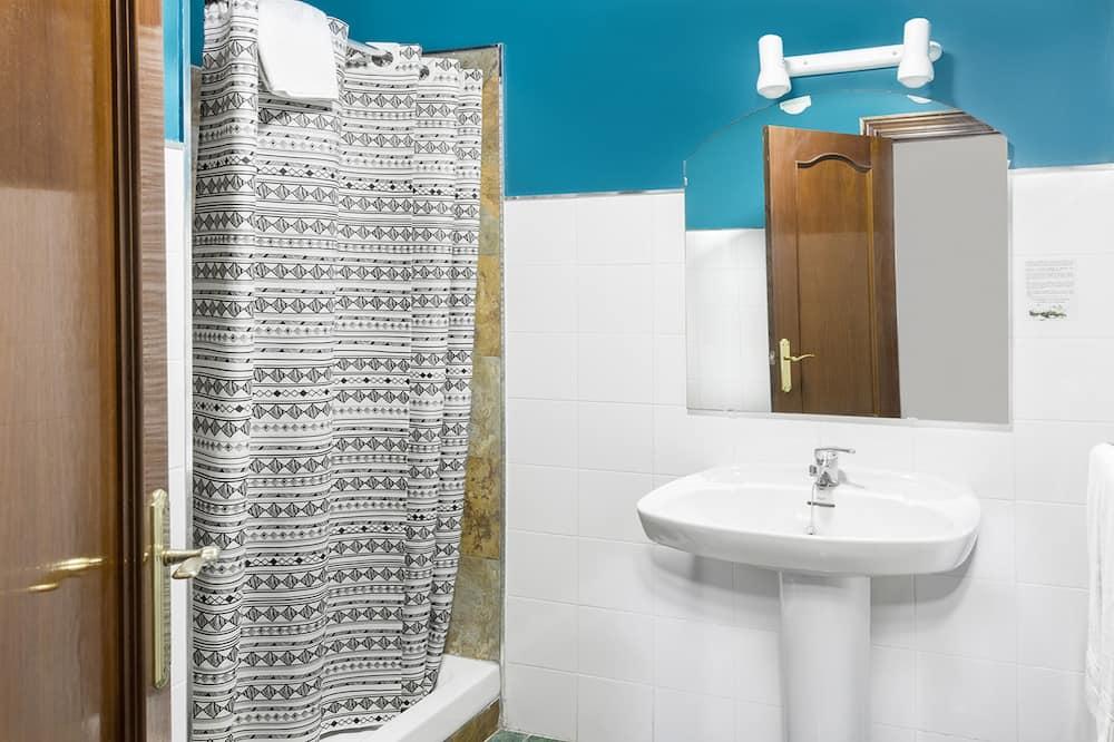 Standard Penthouse, 1 Double Bed - Bathroom