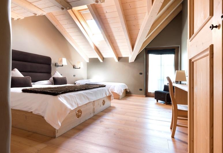 Agriturismo Rini, Bormio, Habitación triple superior, Habitación