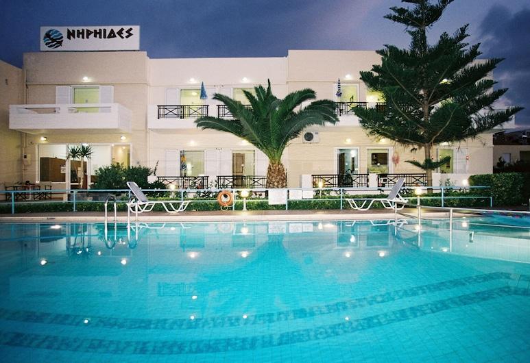 Niriides Hotel, Armeni, Külső rész