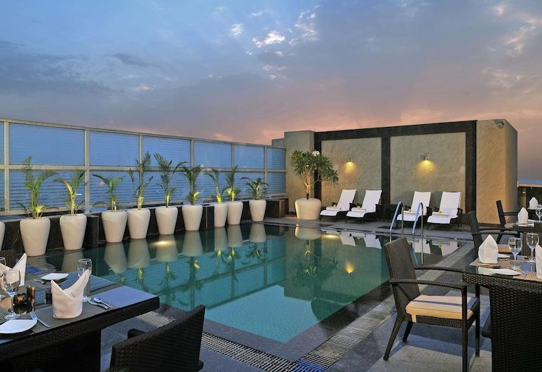 Country Inn & Suites by Radisson, Gurugram Sector 12, Гургаон, Відкритий басейн