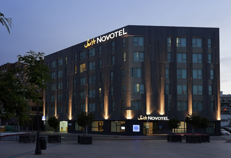 Novotel Suites Malaga Centro, Málaga, Hotel Front – Evening/Night