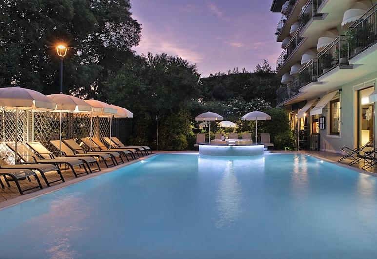 Palace Hotel San Pietro, Bardolino, Außenpool