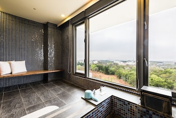 Picture of South Garden Hotels and Resorts in Taoyuan City