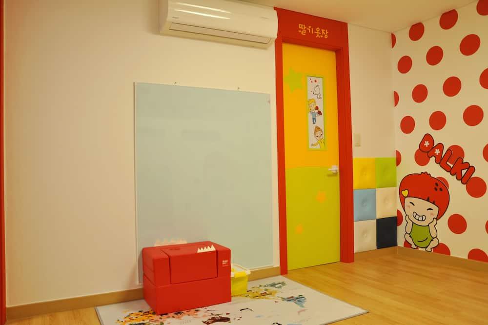 DALKI KIDS Room - Children's Theme Room