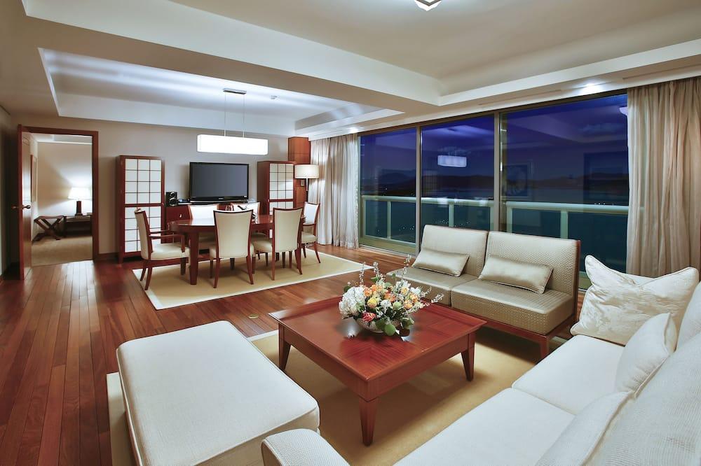 Senioru luksusa numurs - Dzīvojamā istaba