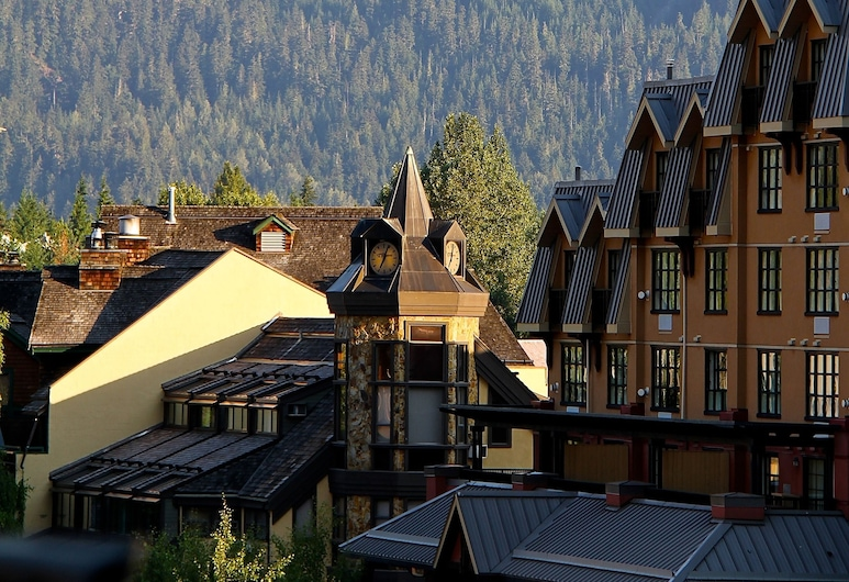 Clock Tower Resort, Whistler, Property Grounds