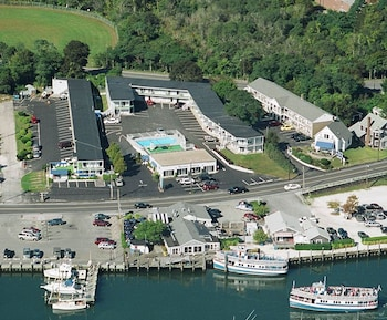 Picture of Hyannis Holiday Motel in Hyannis