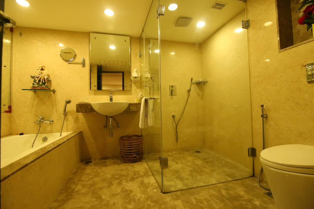 Standard Room, 1 Double Bed, Non Smoking - Jetted Tub