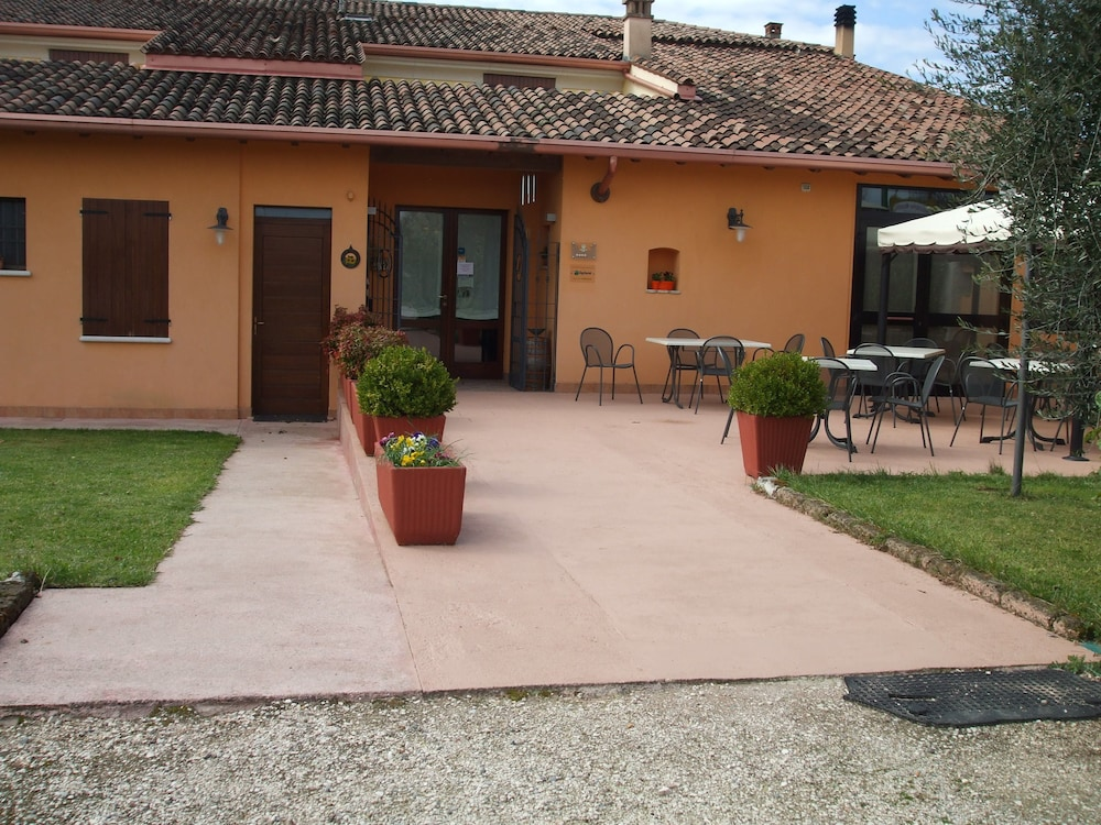 Agriturismo Nuvolino - Guest House, Monzambano