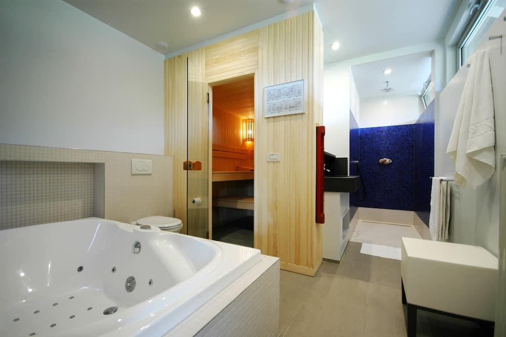 Dvivietis kambarys, sūkurinė vonia - Vonios kambarys