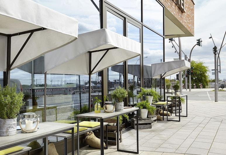 25hours Hotel HafenCity, Hamburg, Terrasse/veranda