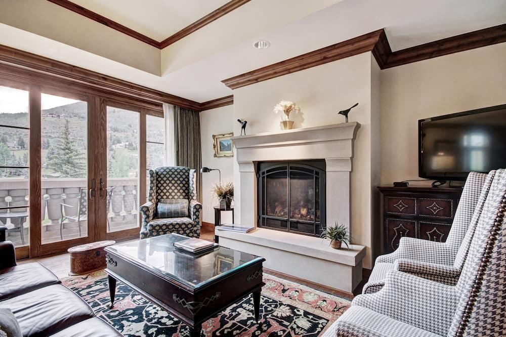 Three Bedroom Plus Den Residence - Living Area
