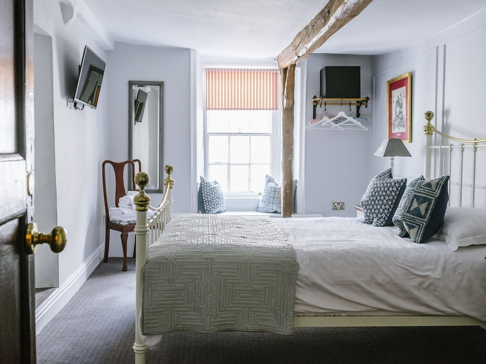 The Snooty Fox Inn Carnforth Deluxe Double Room Ensuite Guest