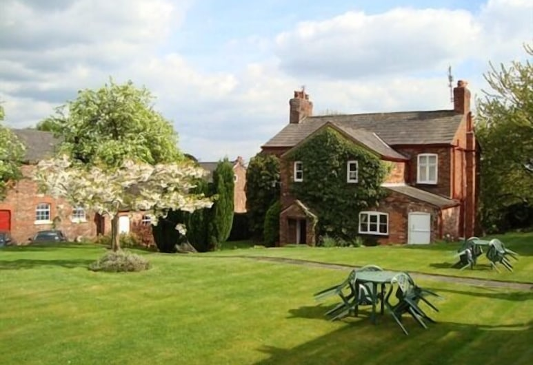 Ash Farm Country Guest House, Altrincham