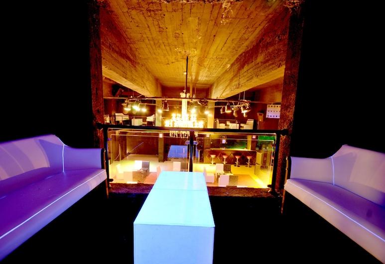 Mirada Del Lago Hotel, Hacilar, Nightclub