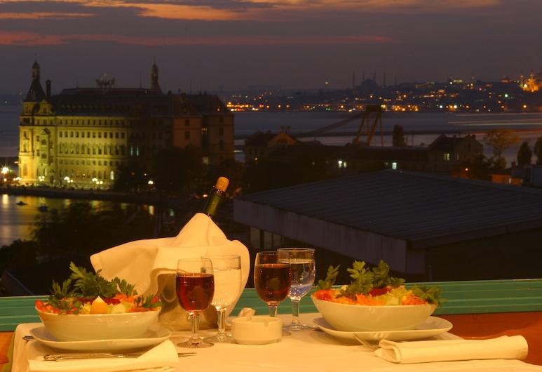 Sidonya Hotel, Estambul, Restaurante al aire libre