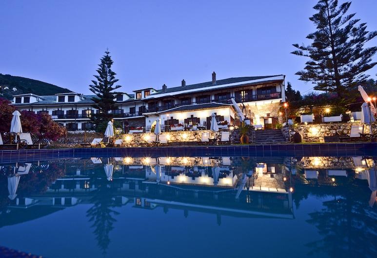 斯塔費羅斯王子酒店, 斯寇貝洛斯, 酒店入口 - 夜景