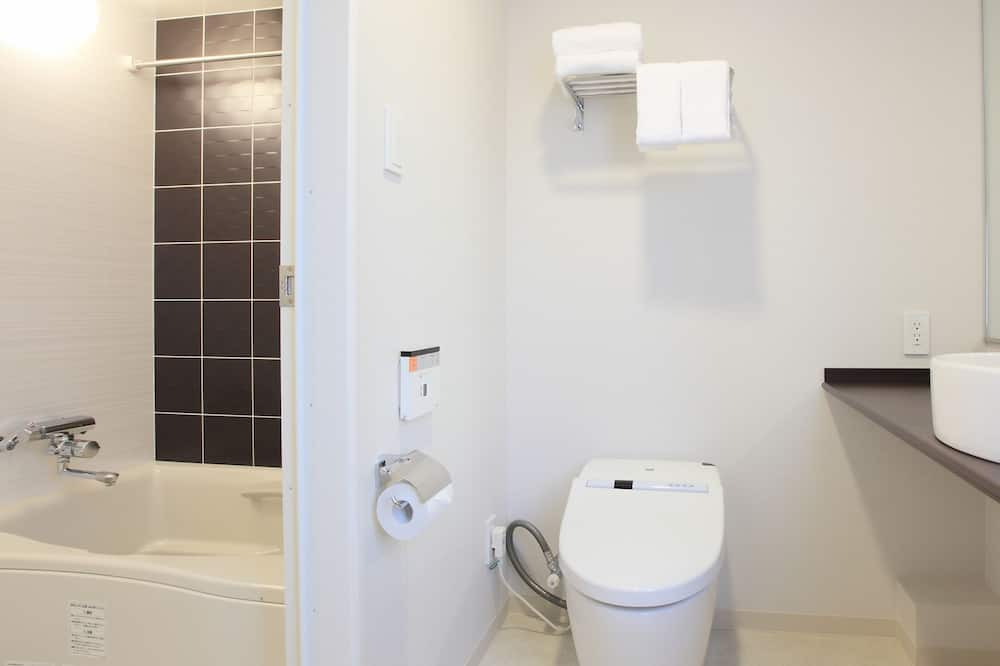 Twin Room B Non Smoking with extra bed,34sqm, 100cm Bed width - Bathroom