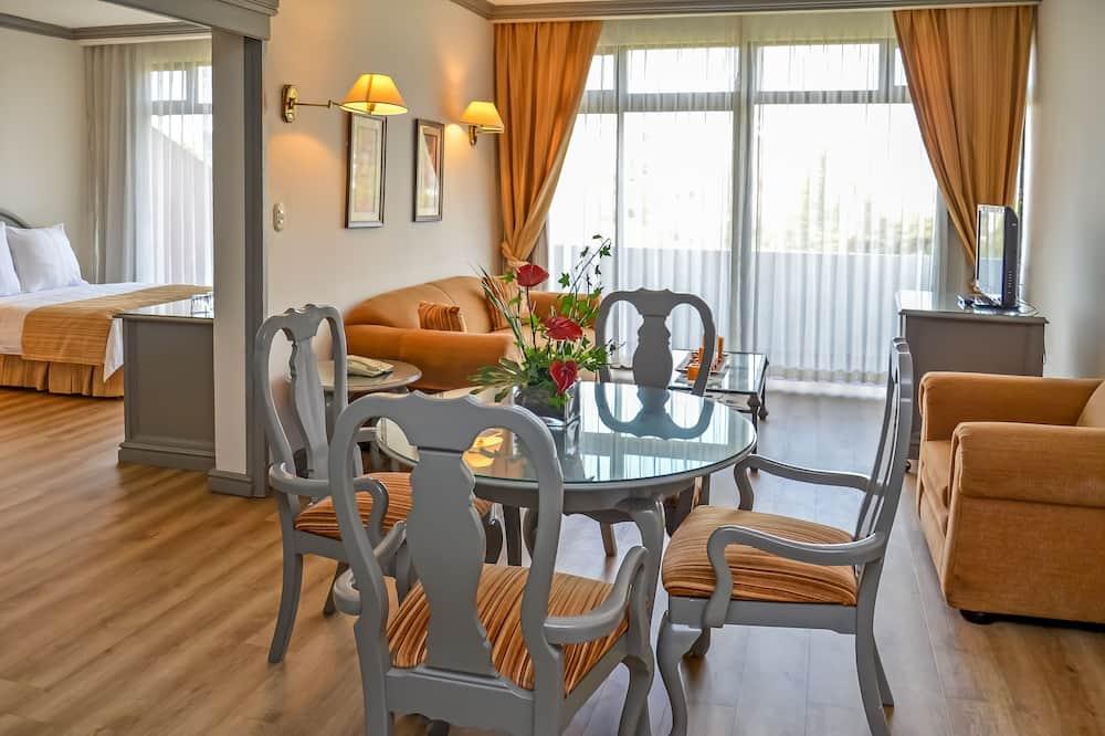 Master Suite - Living Room