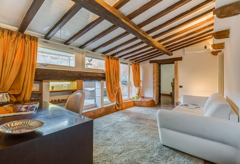 Luxury Trastevere, Rome, Suite, Living Room