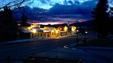 Reserve this hotel in Eagle Nest, New Mexico