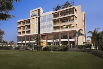 Picture of Days Hotel by Wyndham Neemrana Jaipur Highway in Behror