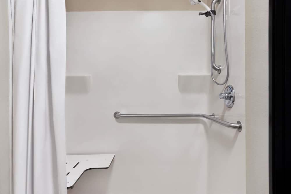 Huone, 1 suuri parisänky, Esteetön, Tupakointi kielletty - Kylpyhuone
